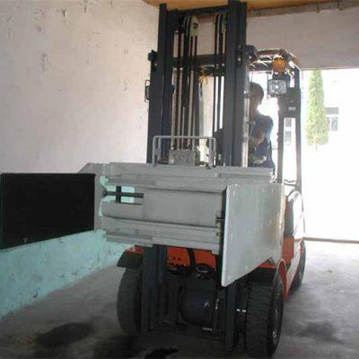 Forklift- ի բազմամյա ճարմանդ